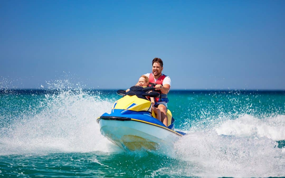 Jet Skis vs Boats: 21 Pros and Cons Before You Choose