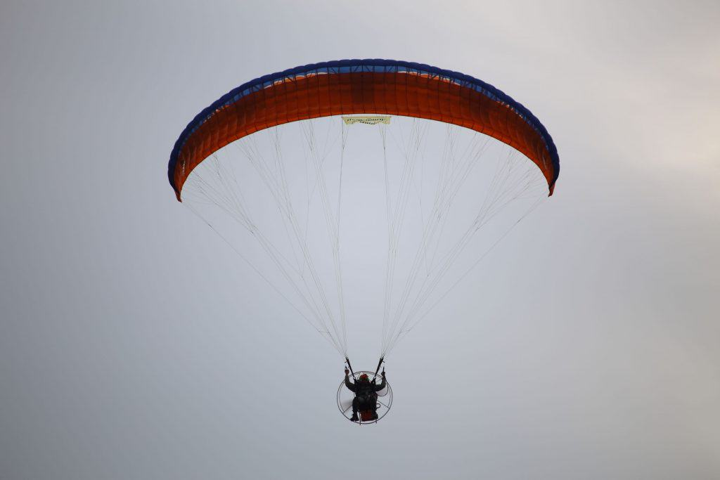 How Much Can You Weigh and Still Ride a Paramotor? – Outdoor