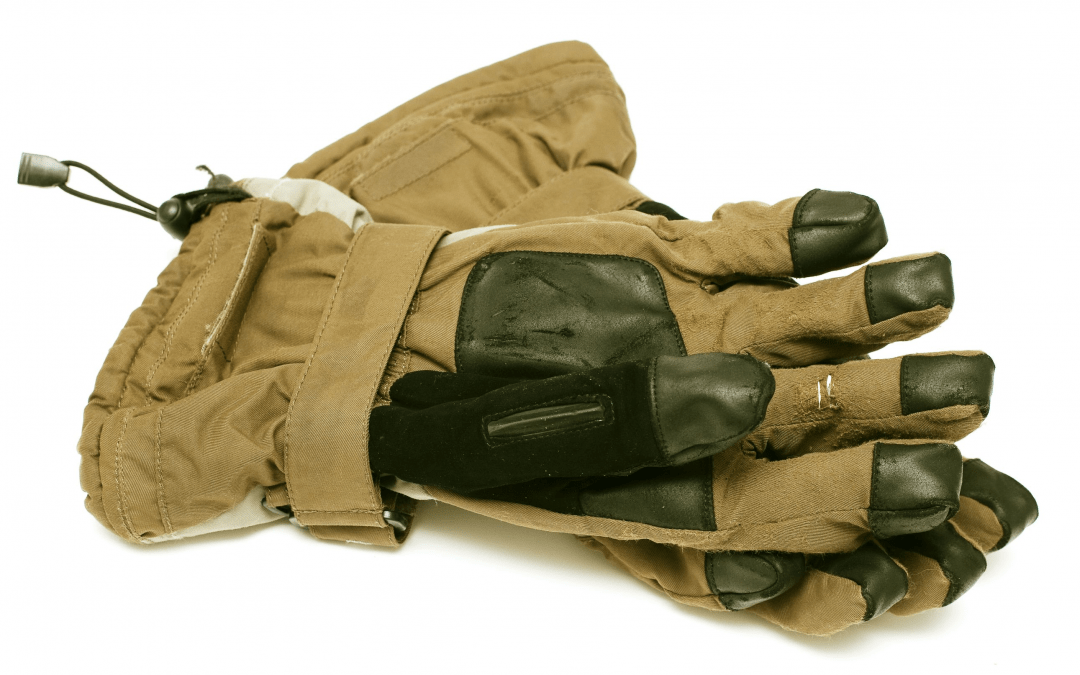 Best Gloves for Ice Fishing to Keep you Dry and Warm