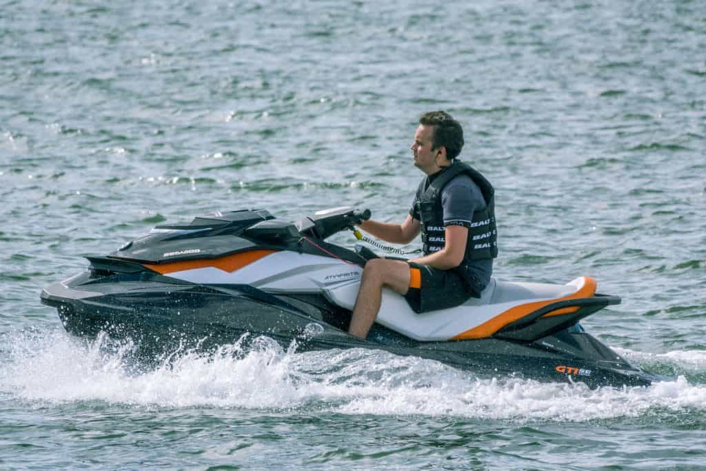 How to Safely Drive a Jet Ski in Rough Water – Outdoor Troop