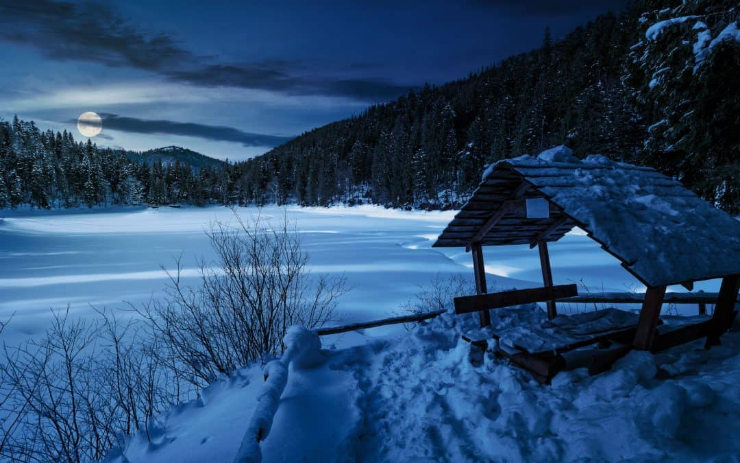 Does Ice Fishing At Night Work?